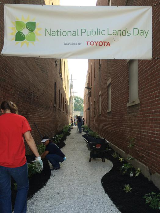 2014 National Public Lands Day   Toyota Motor Manufacturing, Indiana, Inc.