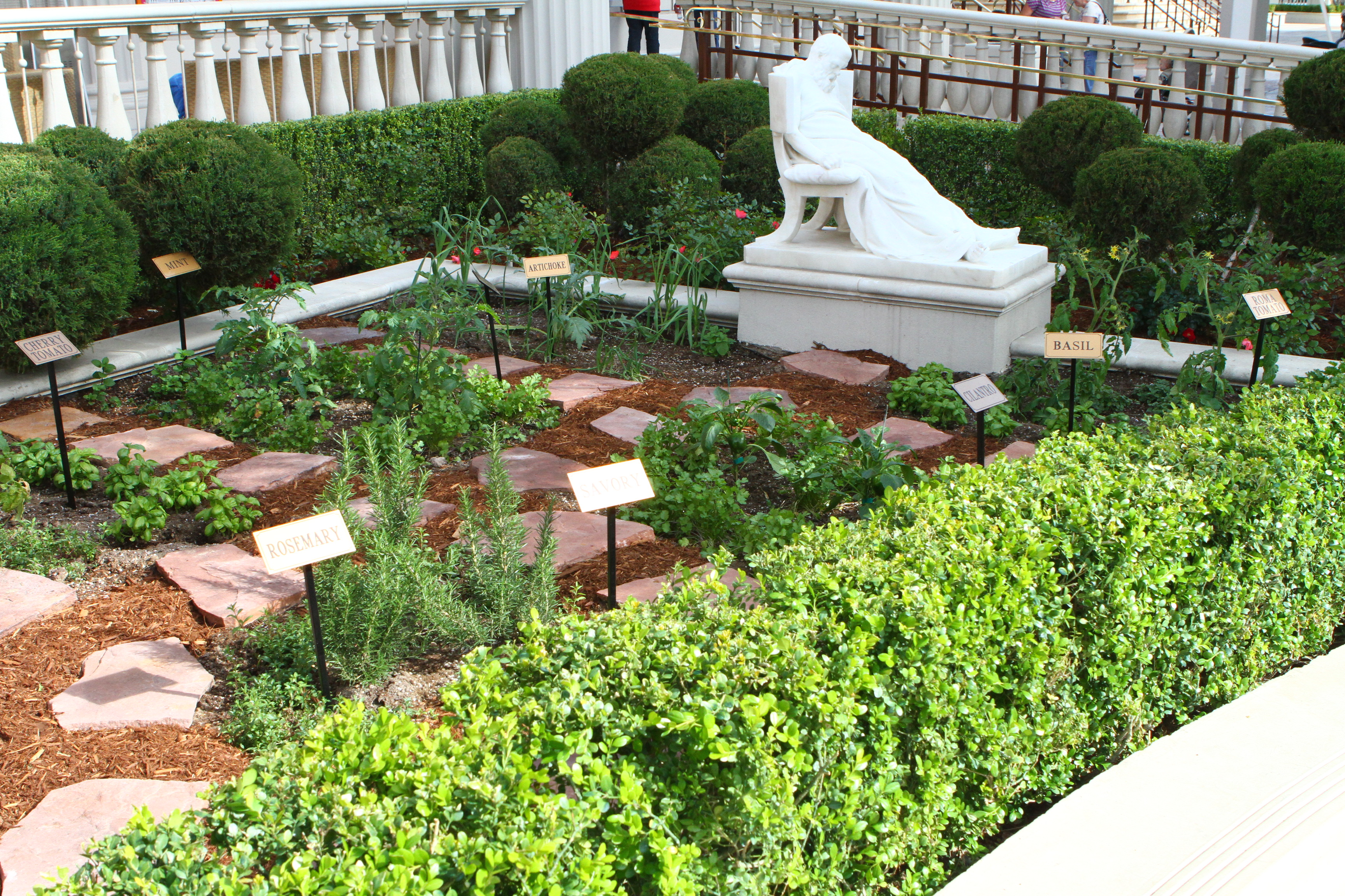 Editable Garden At Caesars Palace Las Vegas Is The First Of Its Kind On The  Las Vegas Strip