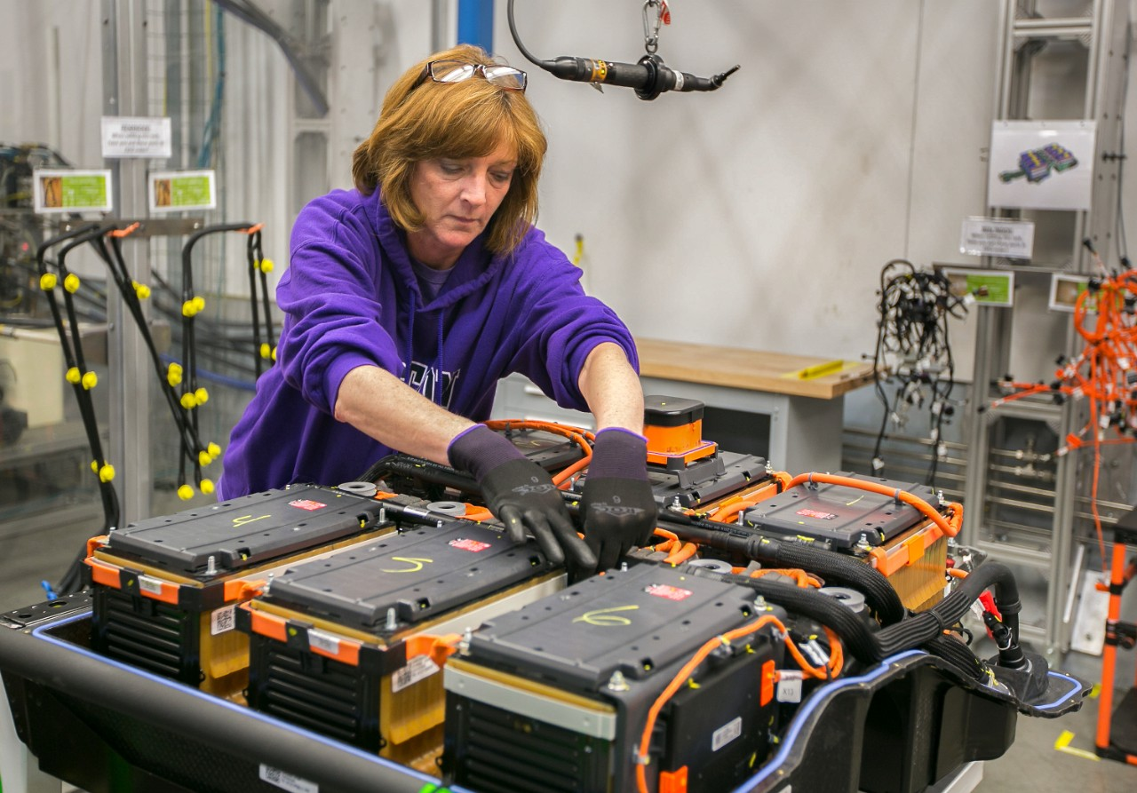 Brownstown Battery Assembly Expands Capabilities 3bl Media Gm Wiring Harness For Vehicles General Motors Plant Worker Tina Oaks Attaches Harnesses